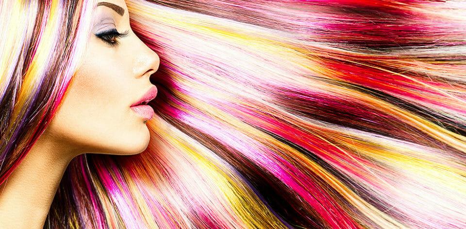 Volle Haarpracht am Haupt, seidenweich glatt ohne Haare am Körper